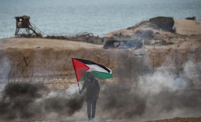 İsrail askerleri Gazze sınırında 20 Filistinliyi yaraladı