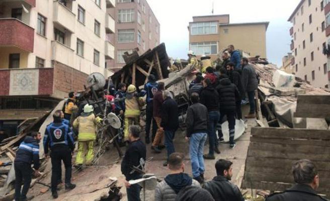 Kartal'da yıkılan binanın enkazında çalışmalar sürüyor