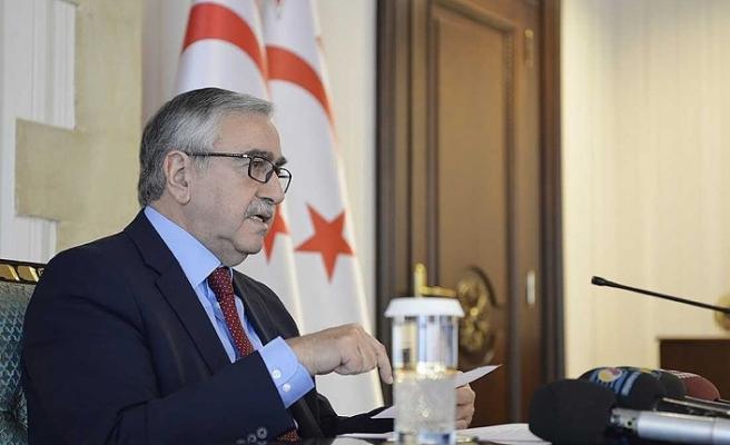 Kıbrıs'ta liderlerden