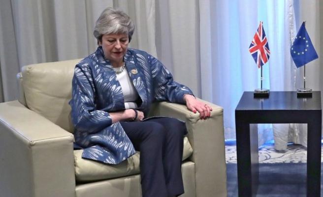 İngiltere Başbakanı May'den Yemen'e 262 milyon dolarlık yardım sözü