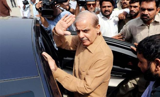 Pakistan'da ana muhalefet liderine yurt dışına çıkış yasağı