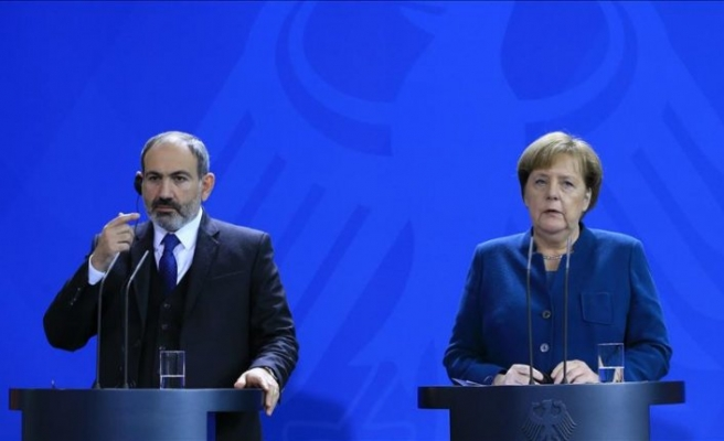 Merkel: Rusya ile konuşmak lazım