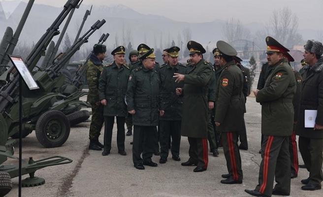 Rusya, Tacikistan'a 9 milyon dolarlık askeri yardım sağladı