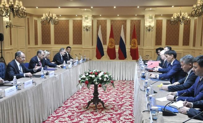 Rusya'ya Kırgızistan'a askeri üs planı soruldu