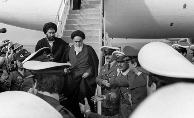 Sürgün sonrası Humeyni'nin İran'a dönüşü