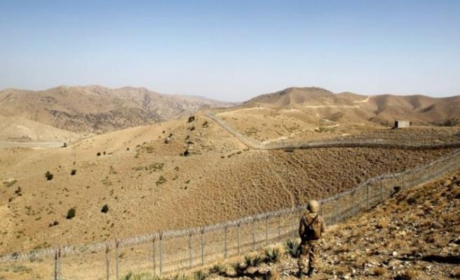 Tacik ordusu sınırdaki yabancı paralı askerler konusunda endişeli