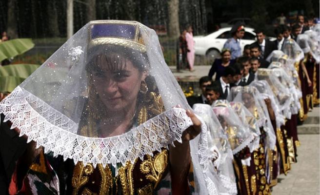 Tacikistan'da Kırgız vatandaşlarıyla evlilik sayısı artıyor
