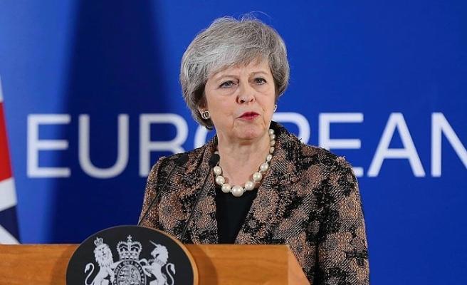 Theresa May'den Kuzey İrlanda'da 'sınır' sözü