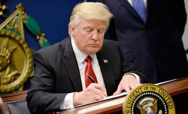 Trump ABD'de 'ulusal acil durum' ilan etti