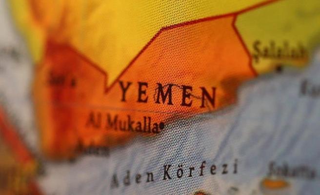 Yemen'de tonlarca tahıl depolarda çürüyor