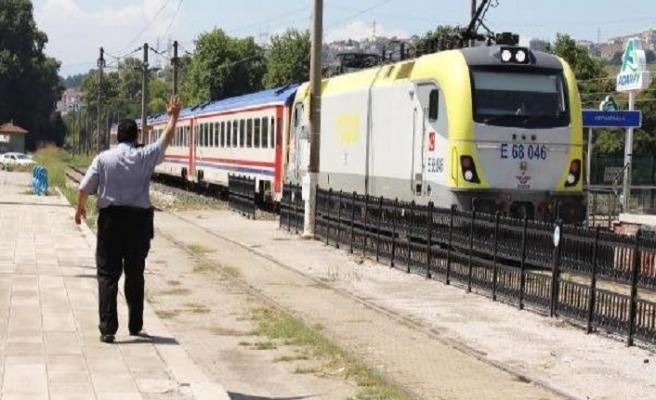 Adapazarı-Pendik tren seferleri yeniden başladı