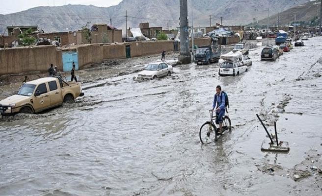 Afganistan'da yaşanan selde bilanço derinleşiyor