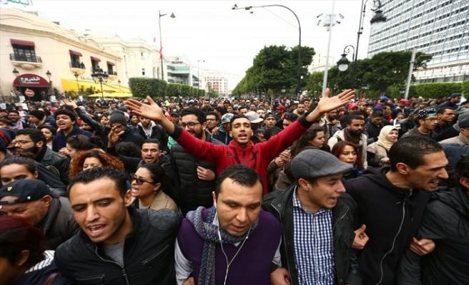 Tunus'ta çocuk ölümleri bakanı istifa ettirdi