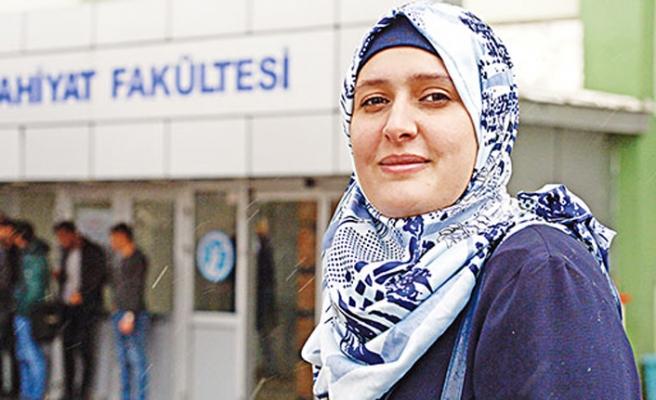 Filistinli Esma Erzurum Atatürk Üniversitesinde öğretim üyesi oldu