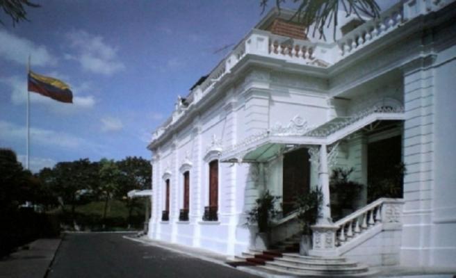 Guaido: Asker destek verirse sarayda oturacağım