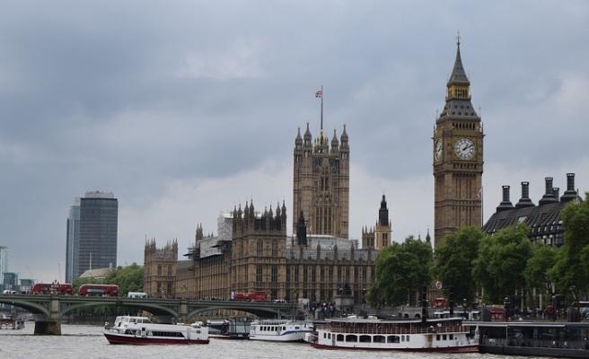İngiltere'de iktidar partisine İslamofobi tepkisi