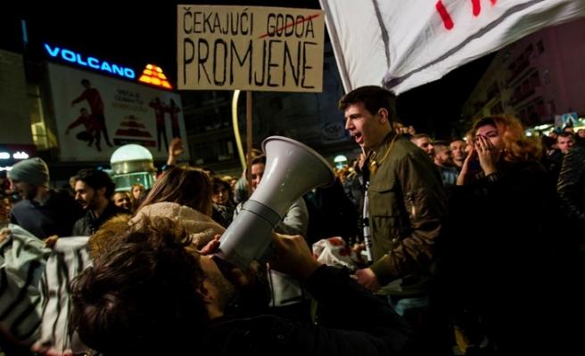 Karadağ'da halk protestosu sürüyor