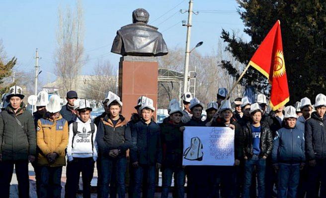 Kırgızistan'da Ak Kalpak Günü kutlandı