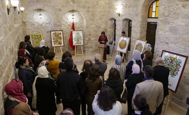 Kudüs'te 'Cam Üzerine Resim' sergisi açıldı