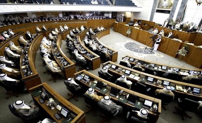 Kuveyt'te muhalifler ara seçimi kaybetti