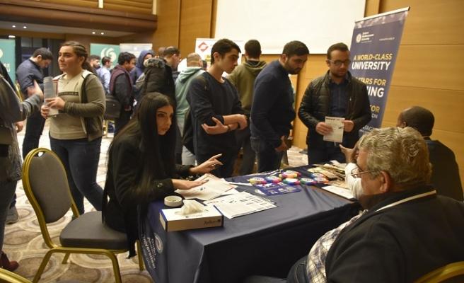 Lübnan'da Türk Üniversiteleri Fuarı'na yoğun ilgi