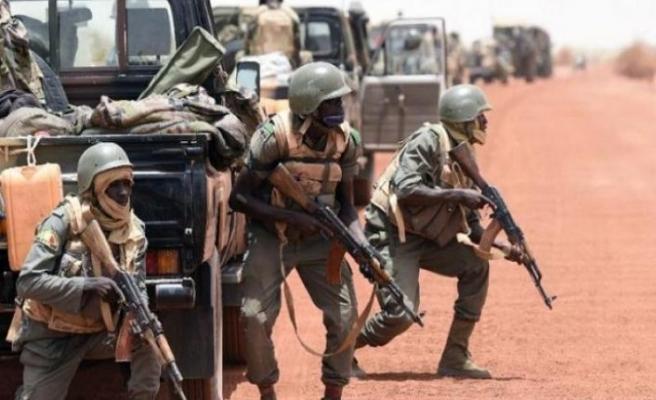 Mali'de araç ve motosikletlerle saldırı