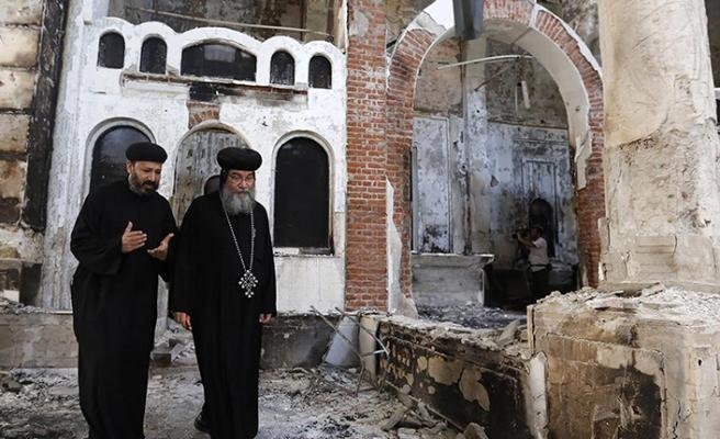 Mısır'da kaçak kiliselere ruhsat