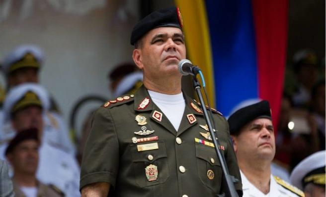 Savunma Bakanı ABD yaptırımlarıyla alay etti