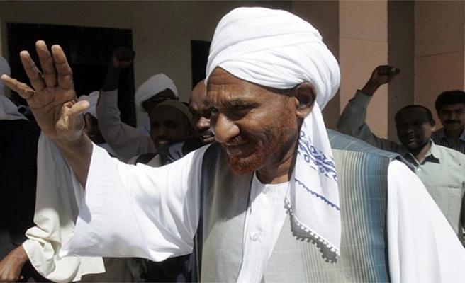 Sudan'da muhalif liderden Beşir'e 'görevi bırak' çağrısı