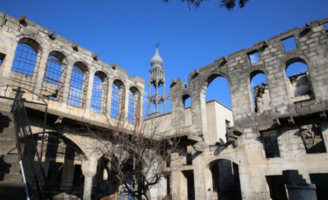 Surp Giragos ve Mar Petyun Keldani kiliseleri bakanlıkça onarılacak