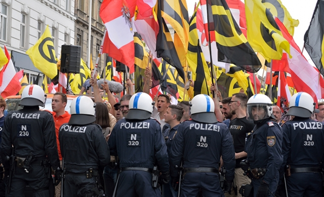 Avusturya'da Kimlikçiler Hareketi'ne parasal destek