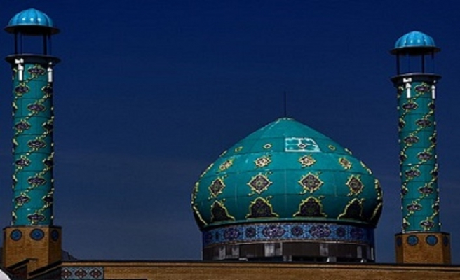 Danimarka'da camilere yabancı para yardımına engel