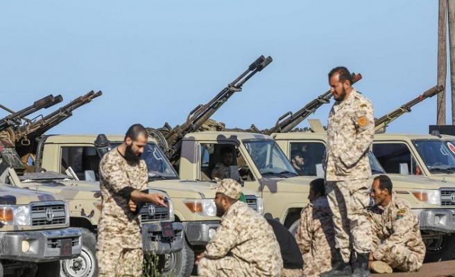 Hafter'e bağlı silahlı grup UMH'ye teslim oldu
