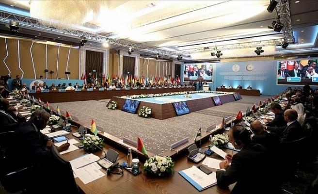 İİT ve Arap Birliği'nden Libya uyarısı