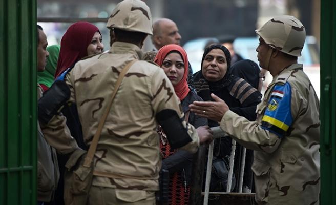 Mısır'da referandum öncesi yoğun güvenlik önlemleri