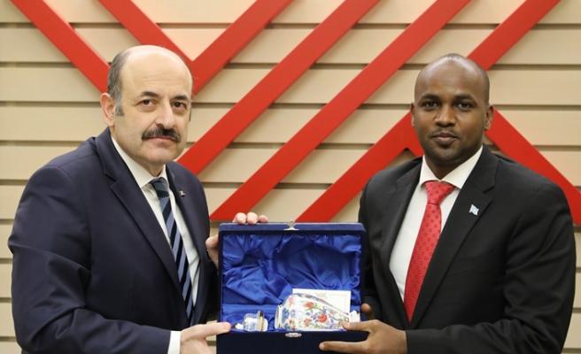 Somalili bakandan YÖK'e ziyaret