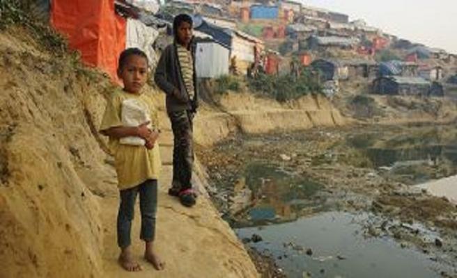 Tek başına Arakan ve Yemenlilere 35 milyon dolar bağışladı