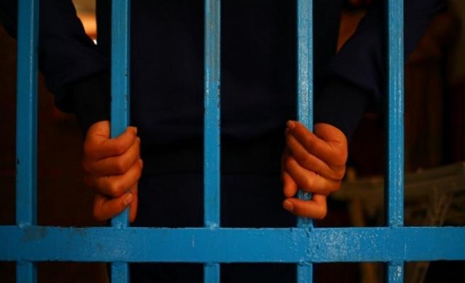 Venezuela'da 65 mahkum gardiyanlara saldırıp kaçtı