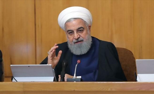 İran Cumhurbaşkanı Hasan Ruhani: Düşmanların İran'a yönelik baskıları tam bir savaştır
