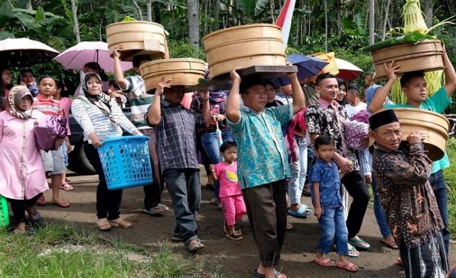 Endonezya'da Ramazana özel ek maaş
