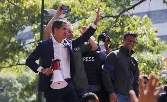 Guaido Venezuelalı muhalifleri yine sokağa çağırdı