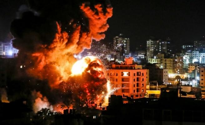 Hamas İsrail saldırılarını 'savaş suçu' olarak değerlendirdi