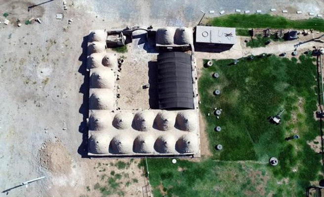 Harran'da tarihi dokuya zarar veren yapılar yıkılıyor