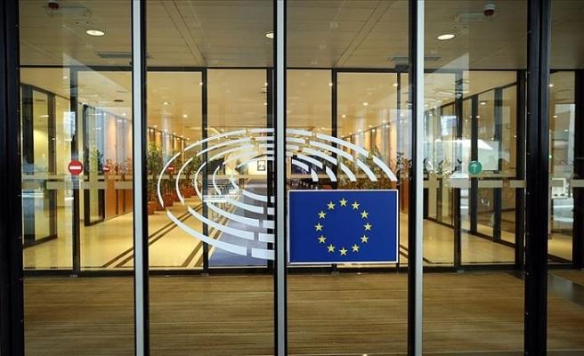 İngiltere Avrupa Parlamentosu seçimlerine katılacak