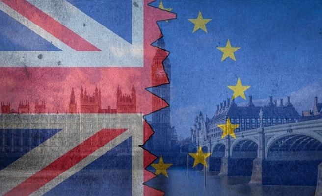 'İngiltere'nin AB'den anlaşmasız ayrılma riski arttı'