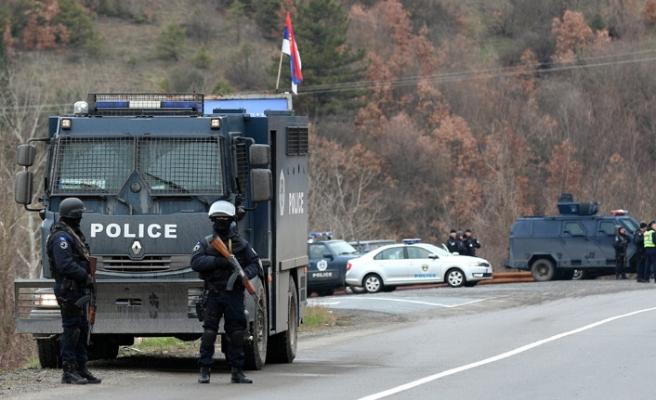 Kosova'nın kuzeyindeki polis operasyonu sonrası gerginlik