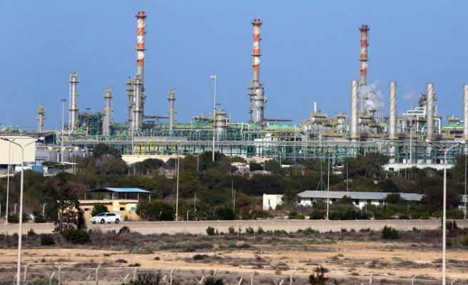 Libya'da Total dahil 40 yabancı şirketin faaliyetine son verildi