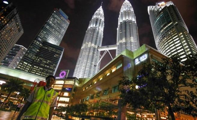 Malezya'da DEAŞ bağlantılı 3 kişi yakalandı