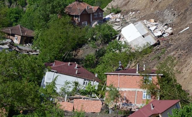 Ordu'da heyelan; 18 ev 1 cami yıkıldı