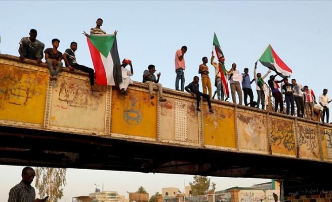 'Sudan Askeri Geçiş Konseyi oyalama taktiği izliyor'